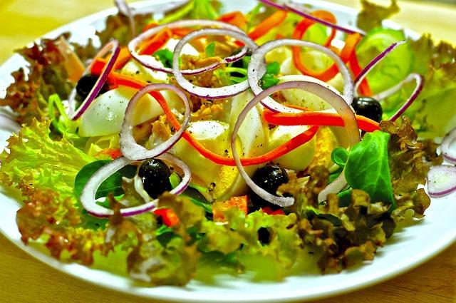 https://pixabay.com/fr/salade-sant%C3%A9-manger-vitamines-1095649/
