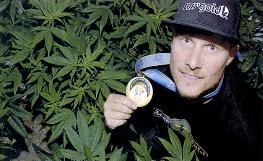 Le snowbordeur canadien Ross Rebagliati, médaillé d'or aux Jeux de Nagano